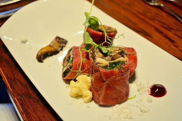 Beef carpaccio roulade1