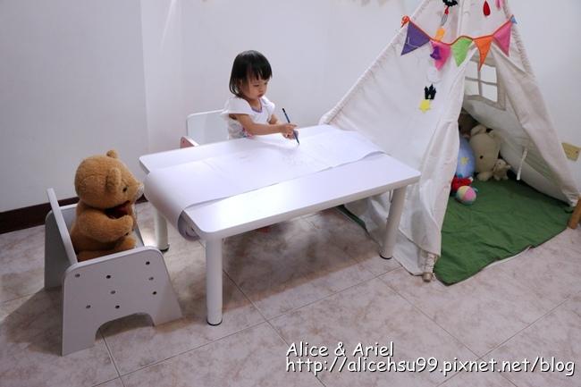 台灣 ilovekids成長桌椅
