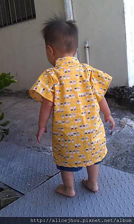 0707  媽媽做的浴衣-背面