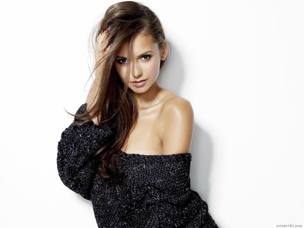 Nina_Dobrev_Wallpaper (1).jpg