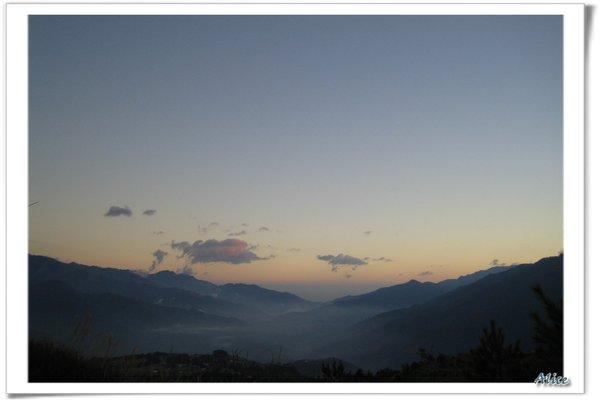 清晨的山谷
