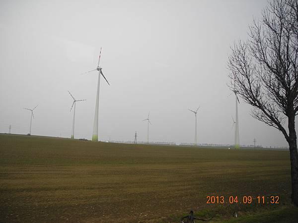 很多風車發電