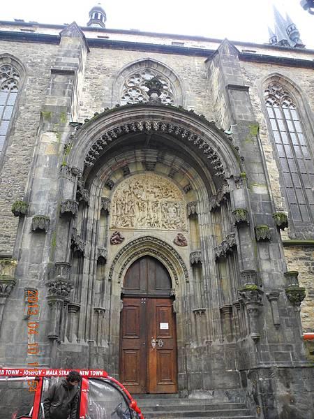 泰恩教堂大門