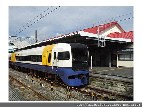 20110616_133233_圖解東京開往銚子的總武線特急車.jpg