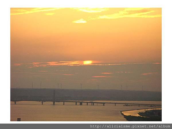 20110616_135933_銚子港塔夕陽及利根川及銚子大橋 (21).jpg