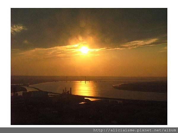 20110616_140002_銚子港塔夕陽及利根川及銚子大橋 (3).jpg