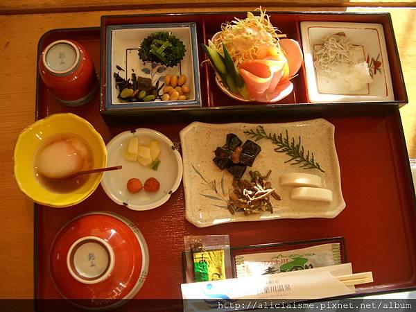 松葉川的早餐.JPG