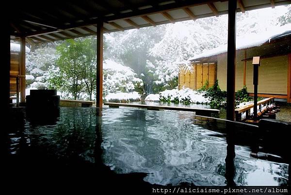 水心鏡 満月風呂 雪景色.jpg