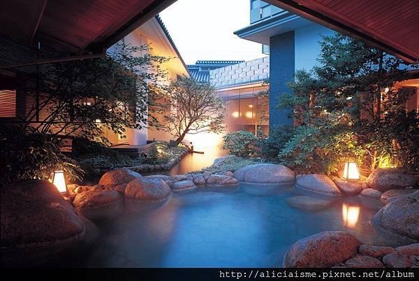 梅の粧 露天岩風呂