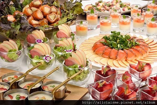 Aomori Ringo Kitchen Dishes.jpg