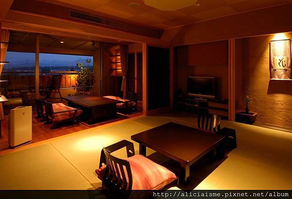 _AExective room2.JPG
