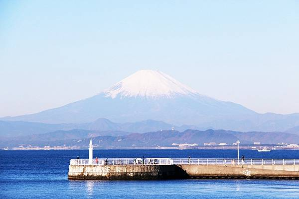 batch_江の島弁天橋からの富士山.JPG