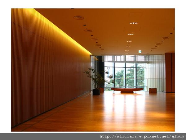 20101116_180236_SUNTORY美術館 (3).jpg