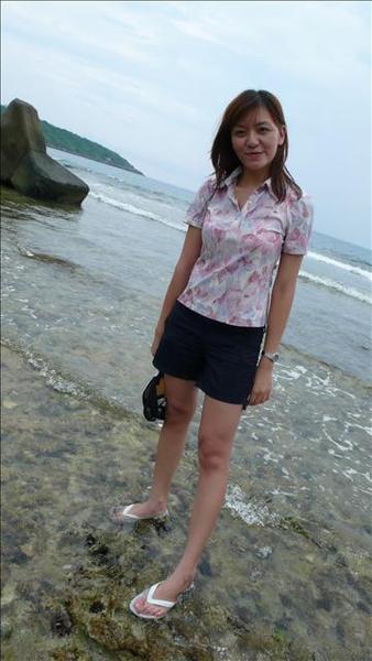 鞋子要是被海水沖走則是回不到岸上,太多刺了