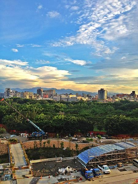勞動上班日~美麗的台北天空