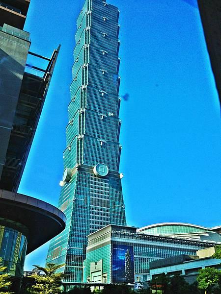 窗外的台北