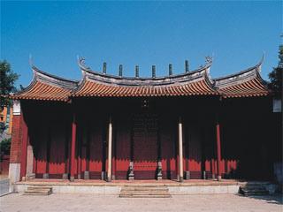 J003-P003孔廟大成門上的六根通天筒