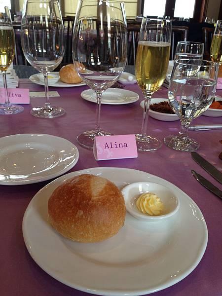 法式圓麵包佐奶油