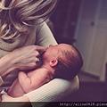 天然精油幫助媽媽排盡體內惡露