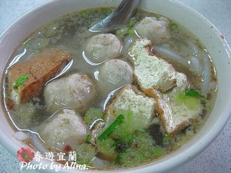 魚丸米粉、香雞城