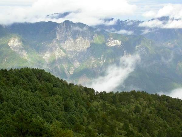 061102秋天的山.jpg