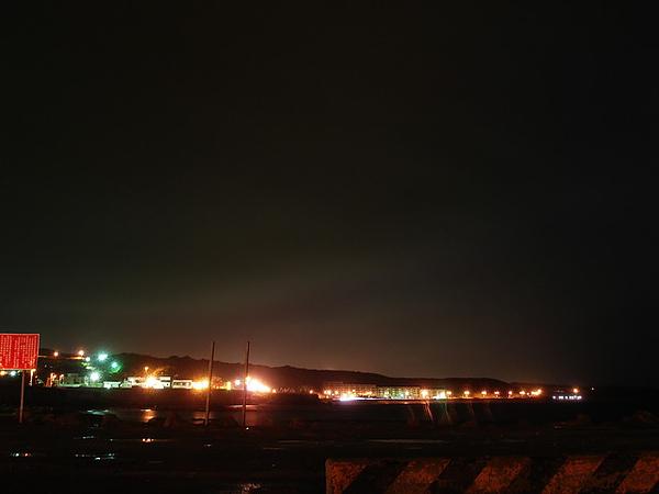 小dc光圈有限 所以雲的漸層感 出不來
