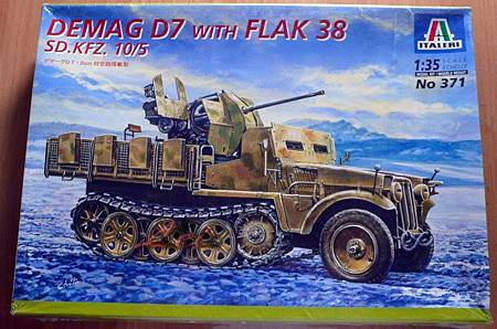 DEMAG D7 SdKfz10-5 with Flak 38 -35-01