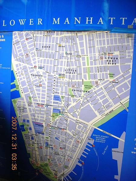 02063.DSCN1576 確認一下曼哈頓地圖, 準備往下個點.jpg