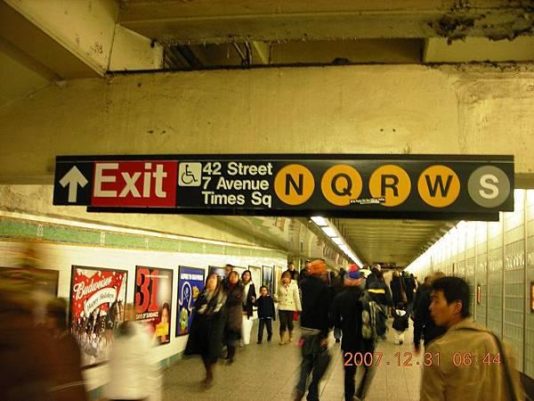 02081.DSCN1641 下一站 Times Square.jpg