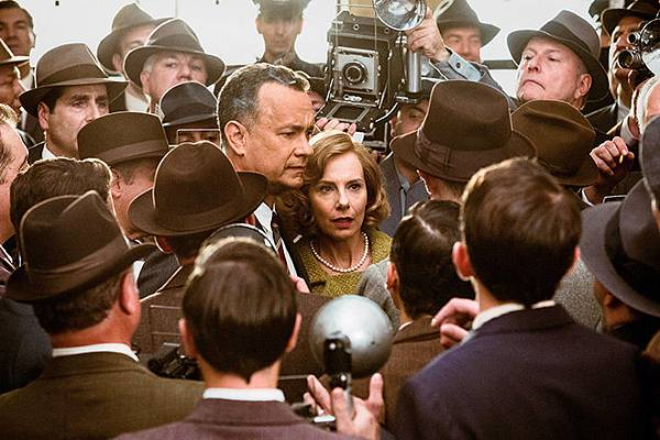 tom-hanks-amy-ryan-BRIDGE-OF-SPIES.jpg