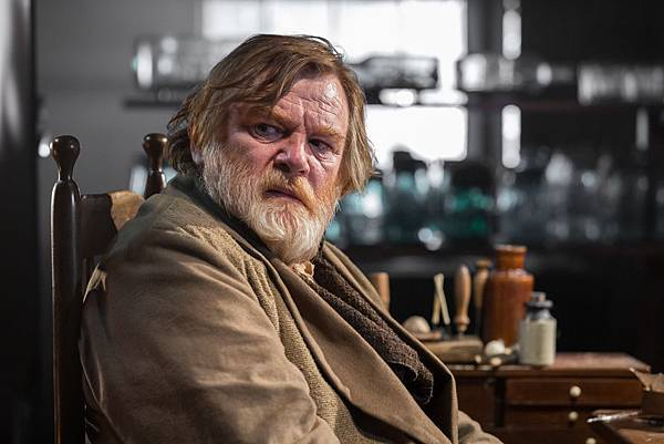 in-the-heart-of-the-sea-brendan-gleeson-2.jpg