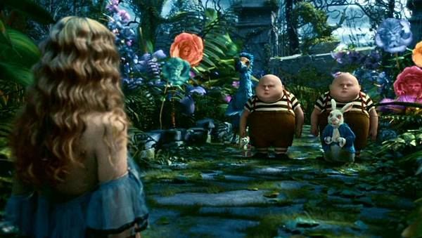 tim-burton-s-alice-in-wonderland-alice-in-wonderland-2010-13677684-1360-768.jpg