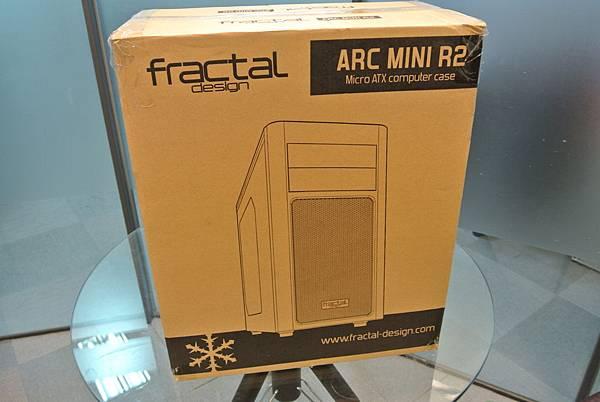 Fractal design-ARC Mini R2