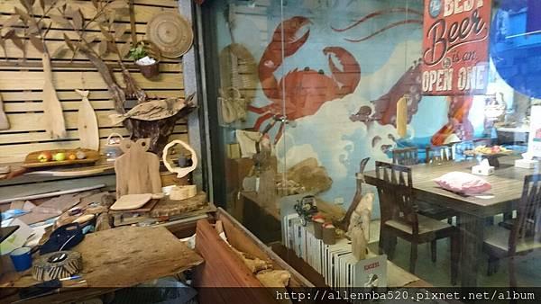 幹嘛餐酒館~西班牙料理x花東食材~玻璃窗外擺設032