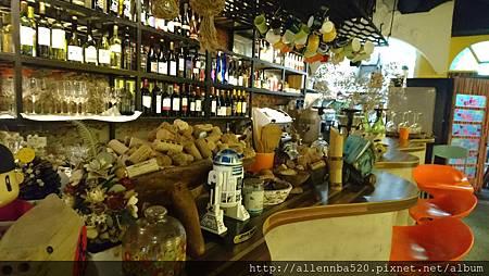 幹嘛餐酒館~西班牙料理x花東食材~室內擺設016
