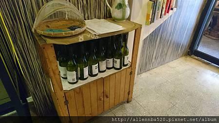 幹嘛餐酒館~西班牙料理x花東食材~室內擺設酒011