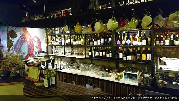 幹嘛餐酒館~西班牙料理x花東食材~櫃台008