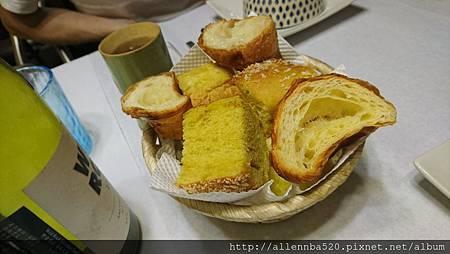 幹嘛餐酒館~西班牙料理x花東食材~餐前經典麵包006