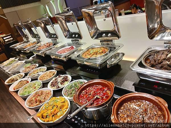 高雄岡山必吃餐廳 | 全家牛排館 CP值報表 | 自助熟食區