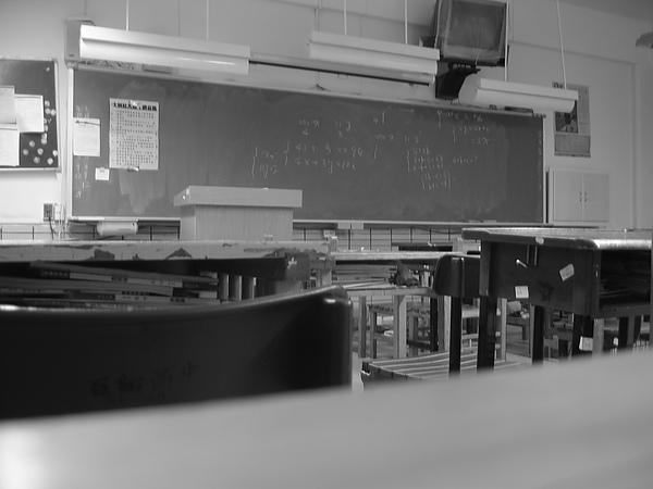 1000309教室707