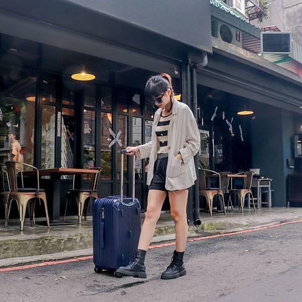 小胖箱推薦 23.5吋專為國內旅遊而生的行李箱藍 (3)