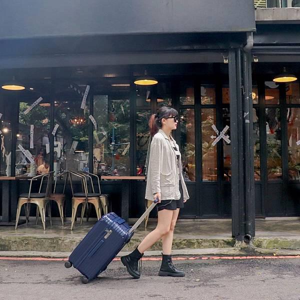 小胖箱推薦|23.5吋專為國內旅遊而生的行李箱藍 (4)