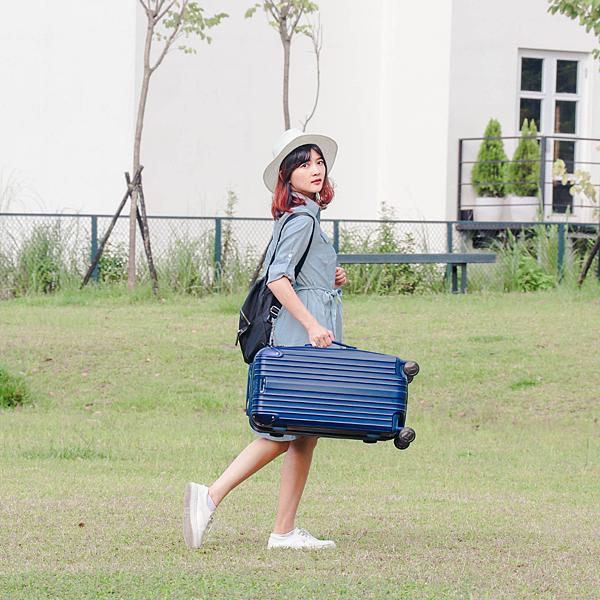 小胖箱推薦|23.5吋專為國內旅遊而生的行李箱藍 (7)