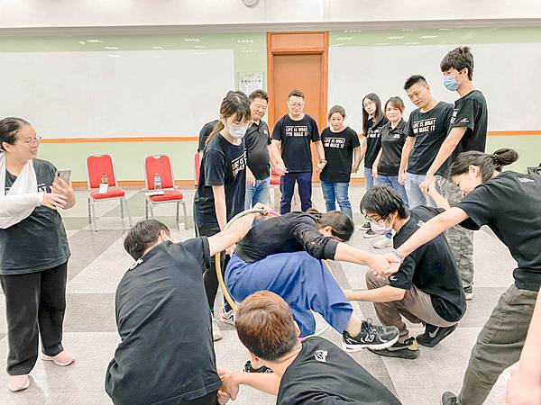 奧莉薇閣行李箱 共識營 台灣外展教育基金會1 (10)