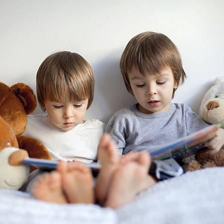 family-literacy-day-F
