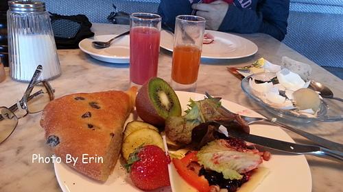 某飯店豐盛的早餐.jpg