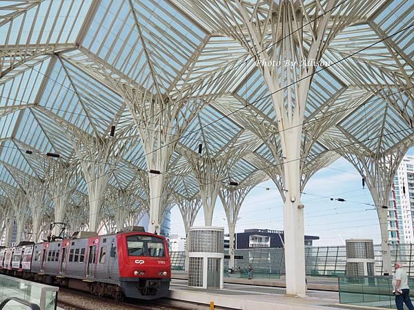 東方火車站月台