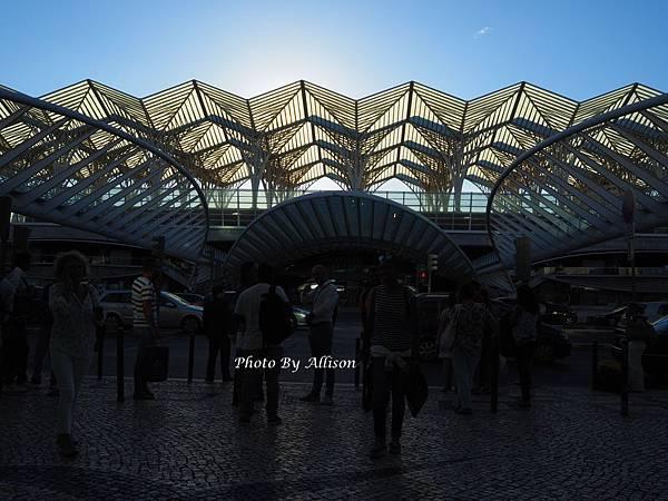 黃昏時的里斯本火車站