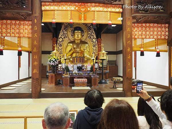 中尊寺本堂供奉的佛像
