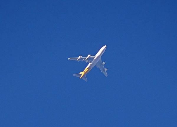 飛機這麼近飛過,感覺好奇妙